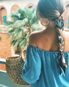 40 Maneiras de usar bandana ou no cabelo Veja como atualizar o seu look usando bandana ou no cabelo. Penteados e maneiras descoladas de usar ou bandana. Summer Hairstyles, Pretty Hairstyles, Braided Hairstyles, Bandana Hairstyles For Long Hair, Hairstyles With Scarves, Hairstyle Ideas, Bohemian Hairstyles, Easy Hairstyle, Casual Hairstyles