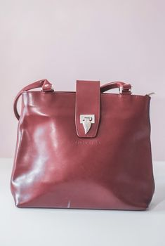 5c4ffa4da56 Superbe Sac Rouge en cuir lancaster. Vinted