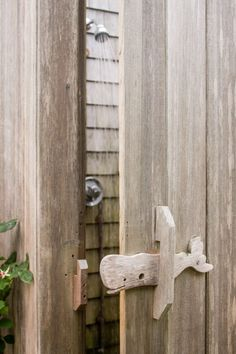 outdoor shower whale handle
