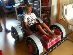 Full Size Go-Kart Made Entirely Out of LEGO - News - GeekTyrant