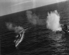 German submarines being bombed by TBFs and of aboard USS Card in the central Atlantic a Type XB tanker/supplies boat was sunk in these attacks by 'Fido', an early air-dropped acoustic homing torpedo. Costa, German Submarines, Armada, Time Photo, Gettysburg, Military History, Ww2 History, Naval History, Aircraft Carrier