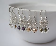 Pearl mobius chainmaille earrings by Linkouture