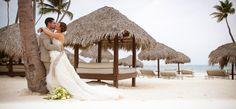 destination #wedding in #puntacana / #kissing