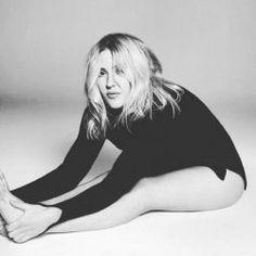 """Ellie Goulding faz performance ao vivo de """"Army"""" #Cantora, #Disco, #Homenagem, #Noticias, #Novo, #NovoSingle, #Popzone, #Programa, #Single, #Sucesso, #True http://popzone.tv/2016/02/ellie-goulding-faz-performance-ao-vivo-de-army.html"""