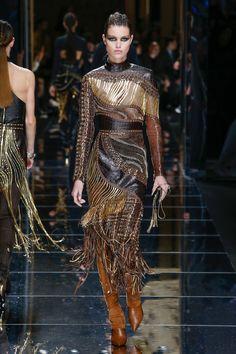 #Balmain #fashion #Koshchenets     Balmain Fall 2017 Ready-to-Wear Collection Photos - Vogue