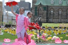 Despite the persecution in China, Falun Dafa practitioners in Canada nevertheless celebrated Falun Dafa Day with hundreds turning out for music, and dance.