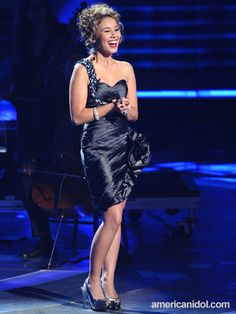 haley reinhart = my Aunt Marilyn's sister Patty's daugther, Haley... yippee!!!