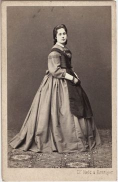 Original-vintage-1860s-CDV-lady-in-period-dress-by-DR-HEID