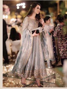 Indian bridal wear engagement 15 Ideas Source by malaikashakeel Dresses Pakistani Formal Dresses, Shadi Dresses, Pakistani Wedding Outfits, Pakistani Wedding Dresses, Pakistani Dress Design, Indian Dresses, Indian Outfits, Pakistani Couture, Pakistani Party Wear