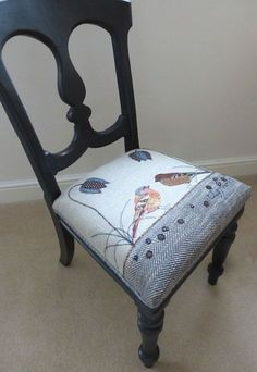 A pair of finches embroidered on a beautiful painted chair is part of Reupholster chair - Reupholster Furniture, Diy Pallet Furniture, Upcycled Furniture, Dining Chair Makeover, Furniture Makeover, Painted Chairs, Painted Furniture, Wooden Chairs, Patchwork Chair
