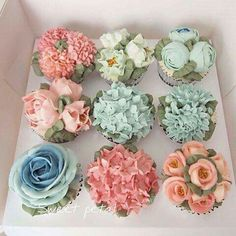 Amazing Flower cupcakes, hydrangeas, roses and more