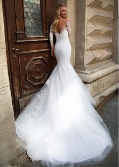 Buy discount Fantastic Tulle Bateau Neckline Natural Waistline Mermaid Wedding Dress With Lace Appliques at Dressilyme.com