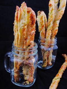 Blätterteigstangen mit Pesto   Törtchen