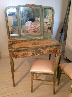 SHABBY CHIPPY ROSES VANITY AND CHAIR