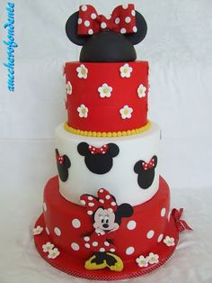 Ideas Cake Desing Compleanno Topolino For 2019 Mini Mouse 1st Birthday, Happy Birthday Kind, 17 Birthday Cake, Minnie Mouse Birthday Decorations, Minnie Mouse Birthday Cakes, Christmas Cake Decorations, Torta Minnie Mouse, Mickey Mouse Clubhouse Cake, Mickey Cakes