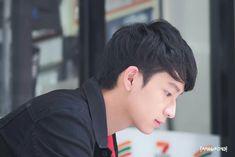 Sun a.a Naek a.a Wave Wave, Thailand, Brother, Actors, Sun, Waves, Golf, Scale, Actor