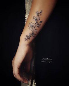 for women on shoulder Arm Tattoos For Women Upper, Arm Tattoos For Women Forearm, Inner Wrist Tattoos, Upper Thigh Tattoos, Wrist Tattoo Cover Up, Outer Forearm Tattoo, Tattoos For Women Flowers, Flower Wrist Tattoos, Red Ink Tattoos
