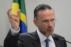 BNDES assina acordo  para desenvolver Indústria  de Defesa no Brasil - http://po.st/i1Q0jP  #Economia - #Aporte, #BNDES, #Defesa