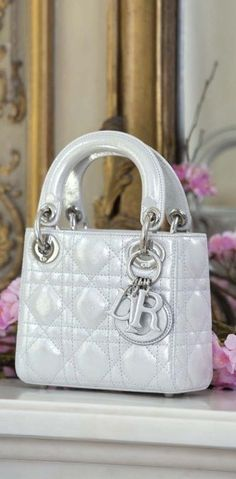 Dior bag via @msmillionairess. #Dior #bags