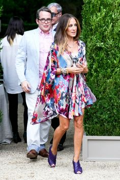 Sarah Jessica Parker. I just bought this same caftan at Nordstroms about a month ago! #greatminds