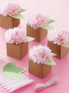 9a3924363065 idées comment customiser des boites en papier, boite origami de papier  kraft, décorée de