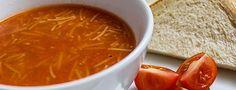 *** Vegane Sopa de Fideo *** Nachdem wir uns in der letzten Woche mit den veganen japanischen Onigiri aus der mexikanischen Küche verabschiedet hatten, muss ich heute unbedingt noch einmal dahin zurück, weil diese mexikanische, vegane, Sopa de Fideo in den letzten Wochen so oft auf dem Speiseplan stand. Ich habe diese, ganz besondere, Suppe in meiner Kindheit kennen und schätzen gelernt. Das war jedoch nicht in Mexiko, sondern in Spanien.