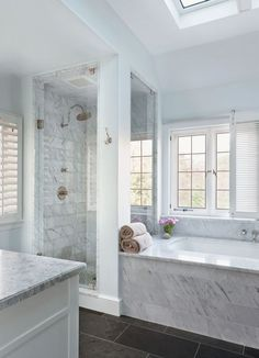 Awesome 80 Beautiful Master Bathroom Remodel Ideas https://insidecorate.com/80-beautiful-master-bathroom-remodel-ideas/ #bathroomremodelingideas #masterbathroomremodel #bathroomremodelideas