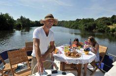 Frankreich: Per Hausboot auf der Mayenne schippern  (rf) Wer Ferien auf dem Wasser liebt, für den ist ein Hausbooturlaub vielleicht etwas. Die Wasserwege Frankreichs bieten ein breites Sortiment für Freizeit-Skipper. Für das Führen der schwimmenden ...   Mehr: http://www.reisefernsehen.com/reise-news/reise-news-europa/15a2c0111a901-frankreich-per-hausboot-auf-der-mayenne-schippern.php