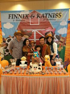 Farm cowboy and cowgirl birthday party, join party for boys and girls..   With farm animals fondant cake