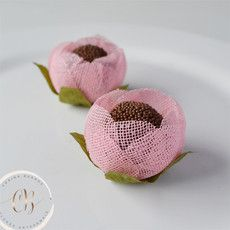 Jute Crafts, Diy And Crafts, Jute Flowers, Ribbon Art, Gift Table, Baby Shower Cakes, 5th Birthday, Mary Kay, Origami