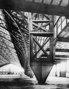 Galerie des machines for the Exposition Universelle of 1889 by Ferdinand Dutert and Victor Contamin