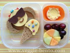 Easy Bento Ideas total, the first two are the best) Cute Snacks, Cute Food, Good Food, Funny Food, Easy Lunch Boxes, Lunch Ideas, Box Lunches, School Lunches, Beach Treats