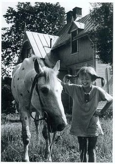 Pippi Longstocking, such a wonderful part of my Childhood. Nostalgia, Pippi Longstocking, Belle Photo, Childhood Memories, Vintage Photos, Cool Photos, Interesting Photos, Horses, Pepsi