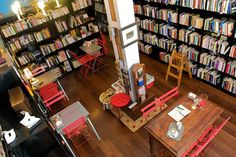 Located in a golden triangle for film lovers, between the Golem, Renoir Plaza de España and Renoir Princesa cinemas, the Ocho y Medio bookshop is a paradise for Bares Y Pubs, Book Cafe, Cafe Shop, Time Out, Ping Pong Table, Countries Of The World, Books, Coffee Shops, Paradise