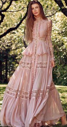 Maxi Modern Boho Dress - Bohemian fashion, long dress, hippie style dress Best Picture For fashion design For Your Taste Y - Hippie Style, Bohemian Style, Hippie Bohemian, Vintage Bohemian, Boho Fashion, Fashion Dresses, Womens Fashion, Fashion Design, Vintage Fashion