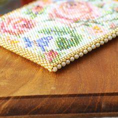 Beaded Crochet, Beaded Purses, Pearl Beads, Beadwork, Hobbies, Cross Stitch, Boxes, Card Holder, Bangle Bracelets