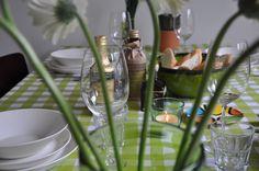 een complete tafel, een plaatje om aan te eten