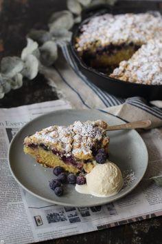 blueberry streusel cake  www.lapetitecasserole.com