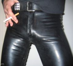 . Mens Leather Pants, Men's Leather, Leather Fashion, Male Body, How To Wear, Beauty, Leather Men, Beauty Illustration