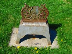 Mount Calvary Cemetery in Kansas City, Kansas is full of unusual and  interesting gravestones and this is at least partly due to cultural  and ethnic traditions of this diverse city