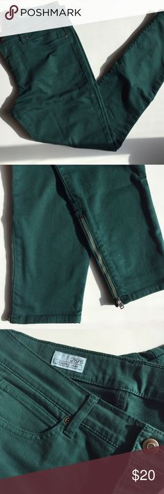 Gap Legging Jeans Color your world with these green Gap Legging Jeans. Zippered ankles with a little stretch. 85%cotton 13%polyester 2%spandex. Size 28/6 GAP Jeans