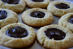 These low-carb, grain-free cookies allow you to indulge till your heart is content. Made with Swerve Sweetener and almond flour, these cookies can be ...
