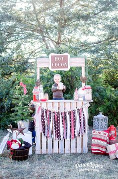 Hot Cocoa Chocolate stand  Holiday Christmas mini session Fort Worth, Texas child photographer Dawn Lopez Photography