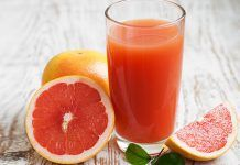 Americans drink more apple juice than grapefruit juice, yet grapefruits are far more nutritious. They have nearly every micronutrient, including about more vitamin C than apple juice! Cheese Pies, Cheese Appetizers, Finger Food Appetizers, Finger Foods, Appetizer Recipes, American Drinks, Chinese Dumplings, Mozzarella Sticks, Samosas