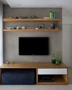 9 Fine Tips AND Tricks: How To Make Floating Shelves The Wall floating shelves kitchen ideas.Floating Shelves Over Tv Small Spaces floating shelves kitchen tubs.Floating Shelf With Drawer Furniture. Living Room White, Living Room Tv, Living Room Lighting, Floating Shelves Bedroom, Rustic Floating Shelves, Sofa Scandinavian, Living Room Designs, Small Spaces, Small Rooms