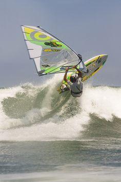 Stunning windsurf action in Ibiraquera - Brazil
