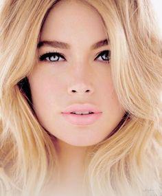 blonde hair pink lips #mirabellabeauty #rose #smoke