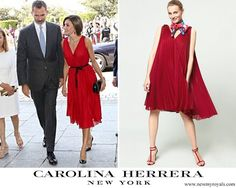 Doña Letizia wore a red Carolina Herrera pleated crepe sleeveless dress from the 2017-2018 pre-Fall collection which features a scooped vee-neckline with a flared pleated skirt. Doña Letizia highlighted her waist and dress with a black ribbon belt. The dress is currently available at Carolina Herrera store for €490. Queen Letizia attends a concert in honour of the 15th anniversary of Grupo Vocento at the Royal Theatre in Madrid. 21 September 2017
