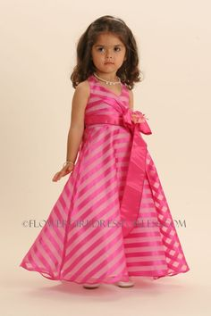 Could you be any cuter? Pink Flower Girl Dresses, Pink Flowers, Little Princess, Disney Princess, Newlyweds, Hot Pink, March 21st, Celebrities, Cute