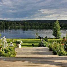 Heinäkuun ilta #koti#kemijoki#piha#terassi#kesäparastaaikaa#lämmin